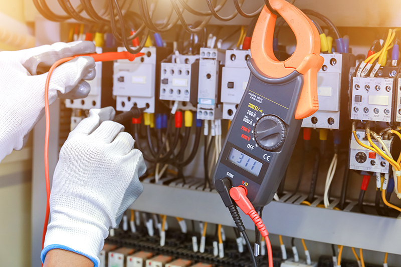 How To Become An Electrician in Oxford Oxfordshire